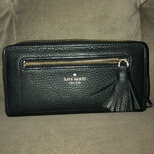 NWOT Black Pebbled Kate Spade Wallet